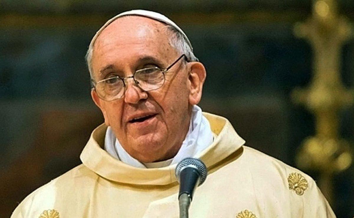 """Papa Francisco a monjas peruanas: """"¿Saben lo que es la monja chismosa? Es terrorista"""""""