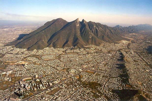 Mexicanos podrán reelegir alcaldes y diputados después de 85 años de prohibición