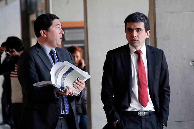 """Fiscales Gajardo y Norambuena renuncian al Ministerio Público por tratamiento de """"impunidad"""" en casos de platas políticas"""