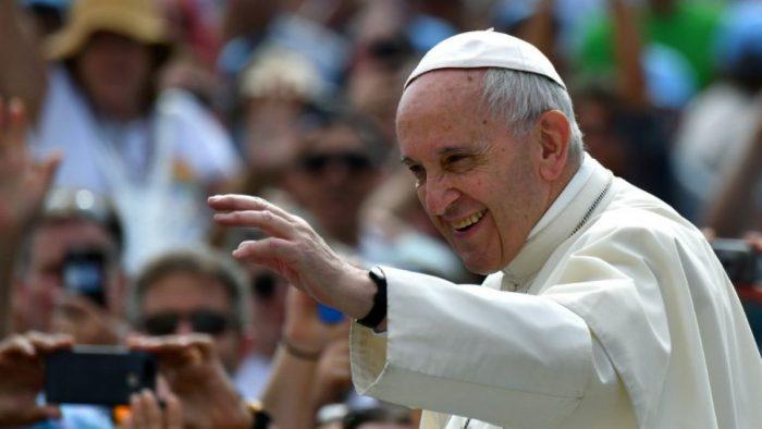 ¿Estado laico? Pdte. de la Cámara no quiere discutir proyecto de identidad de género durante el primer día de visita del Papa