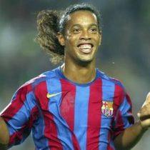 [VIDEO] Hasta en el fútbol-voleibol, Ronaldinho es crack...