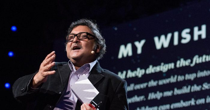 Experto indio Sugata Mitra propone en Chile orientar la educación «para el mundo de dentro de 30 años»