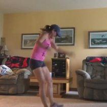 [VIDEO] Mujer que grababa su rutina de ejercicios capta el doloroso sonido de su tendón de Aquiles rompiéndose