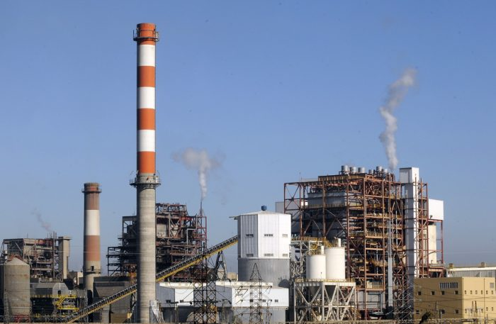 Gobierno le pone la guinda a su legado energético: acuerda con generadoras el fin del carbón y cronograma de cierre de plantas