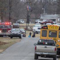 Al menos dos estudiantes muertos y varios heridos deja tiroteo en una escuela de EE.UU.