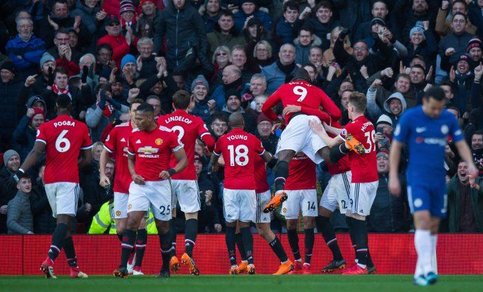 El United de Alexis recupera la inercia y vence 0-2 al Chelsea por FA Cup