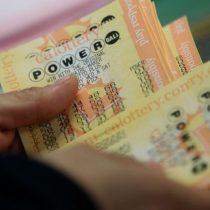 La mujer que ganó casi US$560 millones en la lotería Powerball pero no ha querido cobrar el premio