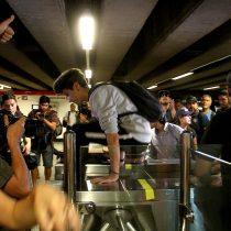 [FOTOS] Jornada de evasión tras el alza del pasaje del transporte público