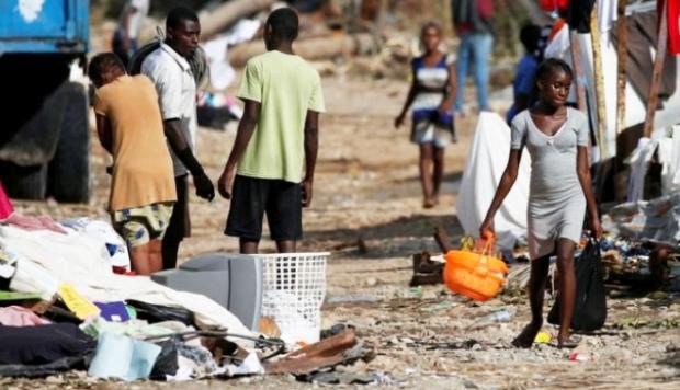 Dimite la vicedirectora de Oxfam por el escándalo sexual de Haití