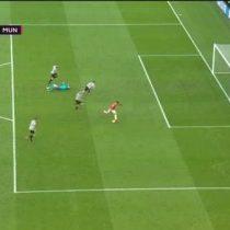 [VIDEO] Para qué te traje: el insólito fallo de Alexis Sánchez durante el partido del Manchester United