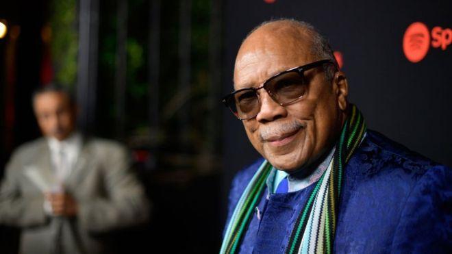 """Por qué el legendario productor Quincy Jones dice que los Beatles eran """"los peores músicos de la historia"""" y que Michael Jackson """"robaba"""""""