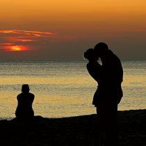 Los beneficios de estar enamorado y qué hacer si tienes dificultades para encontrar pareja