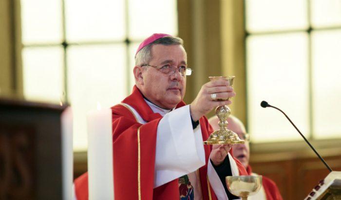 Comitiva del Vaticano interroga a Obispo Barros tras tomar declaraciones a las víctimas de Karadima
