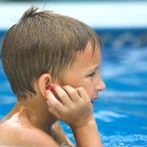 Temporada de piscina: Los cuidados que se deben tener con los oídos durante el verano