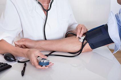 Tips para manejar la presión arterial en días de altas temperaturas