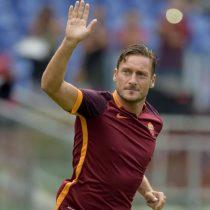 [VIDEO] El inesperado apoyo de Francesco Totti a la U desde Italia