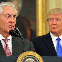 Dólar se desploma tras fulminante salida del secretario de Estado de Trump