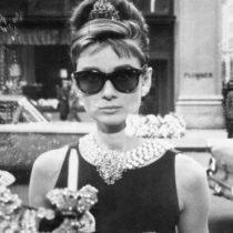 Muere a los 91 años el icónico diseñador de moda francés Hubert de Givenchy, creador de un nuevo estilo de vestir para la mujer moderna