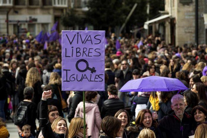 Masivas manifestaciones y huelgas en España en el marco del día de la mujer
