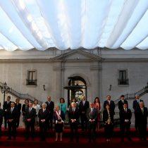 [FOTOS] Generación 2018: La última foto de Michelle Bachelet con sus ministros y subsecretarios en La Moneda