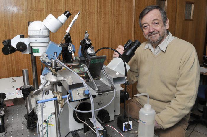 Premio Nacional de Ciencias inauguró Doctorado en neurobiología