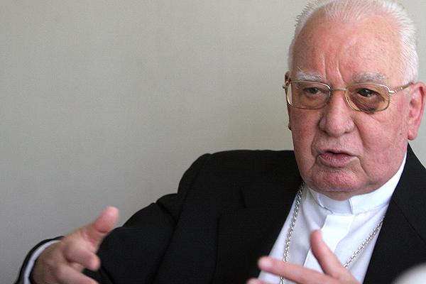 """Cardenal Medina felicita a Piñera por protocolo de objeción de conciencia: """"Nada vale presentar, como justificación, un pretendido derecho de la mujer"""""""
