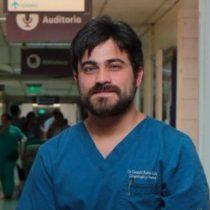 Médico que realizó primer aborto bajo tres causales se suma a llamado a no atenderse en centros objetores de conciencia
