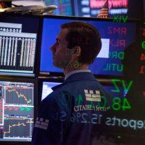 Acciones, bonos de EEUU suben tras anuncio de aranceles de Trump