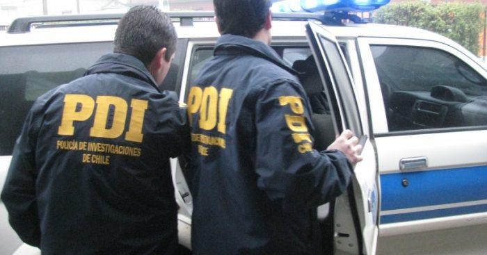 Arriban al país otros dos integrantes de banda chilena acusada de robar 400 casas en Canadá