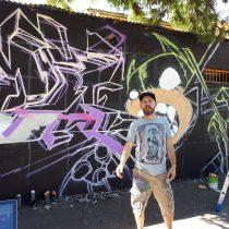 Estrella del tatuaje mundial, Jesse Smith, realizó Grafiti en muro de Santiago