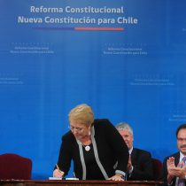 Presidenta Bachelet firma proyecto de ley para la Nueva Constitución y responde a críticas: