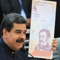 Venezuela le quita 3 ceros a su moneda, el bolívar, y reemplaza de nuevo sus billetes en medio de la hiperinflación