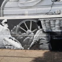 Dos murales ferrocarrileros revitalizan el corazón patrimonial de San Bernardo