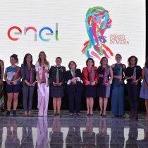 Enel Chile distingue a 13 chilenas que destacan por su contribución al desarrollo del país