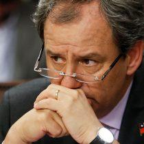 Ministro de Educación se compra nuevo conflicto: Cones lo acusa de arrodillarse ante los empresarios