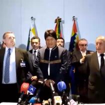 [VIDEO] Delegación boliviana entona el