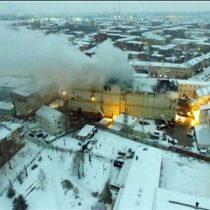 [VIDEO] Las imágenes del devastador incendio en Kemerovo, Rusia, que causó la muerte de al menos 64 personas