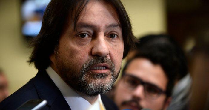Estado de salud del diputado Tucapel Jiménez (PPD) preocupa en la Cámara Baja