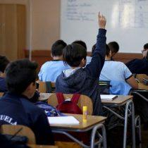 Chile: más de la mitad de los estudiantes de octavo básico estarían de acuerdo con una dictadura