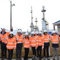 Ministra de Energía y presidenta del Directorio de ENAP conocieron proceso productivo del gas en Magallanes