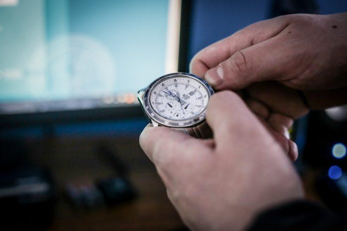Cambio de hora: a medianoche comienza el horario de invierno en parte del país