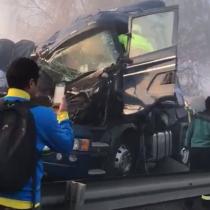 [VIDEO] El caótico escenario luego del choque que involucró a 24 vehículos en San Fernando