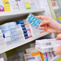 Cenabast gana la batalla a farmacéuticas: Chile podrá importar terapia del VIH a un precio seis veces menor