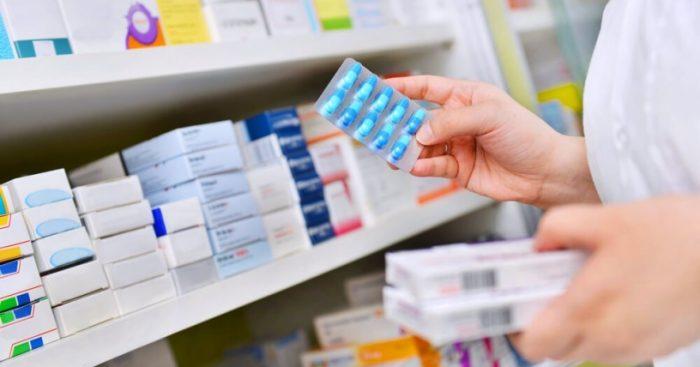Alcaldes del sector poniente de la RM critican medida para entregar medicamentos a domicilio: