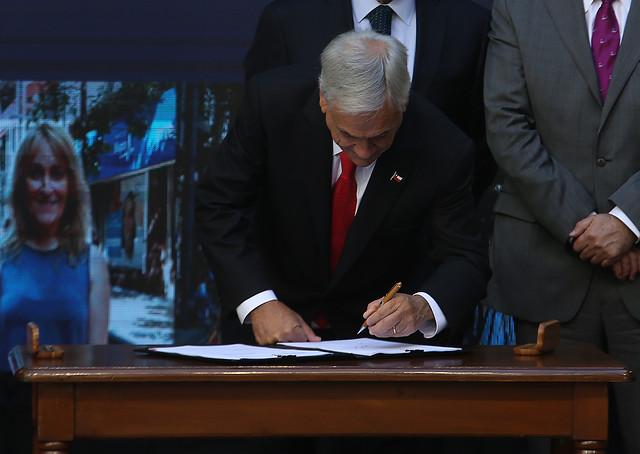 Piñera presenta proyecto de migración: