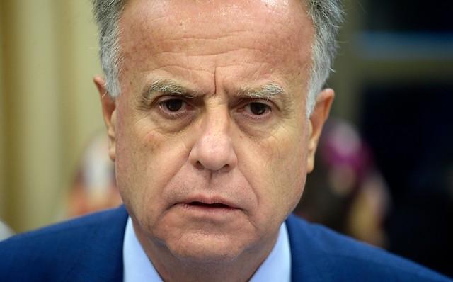 Acusación a Santelices: diputados oficialistas emplazan al ministro para que vaya en persona a la comisión