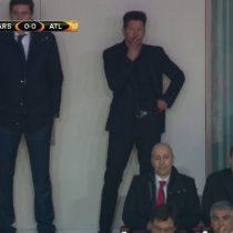 Diego Simeone pierde la cabeza y es expulsado junto a Vrsaljko durante partido del Atlético versus Arsenal
