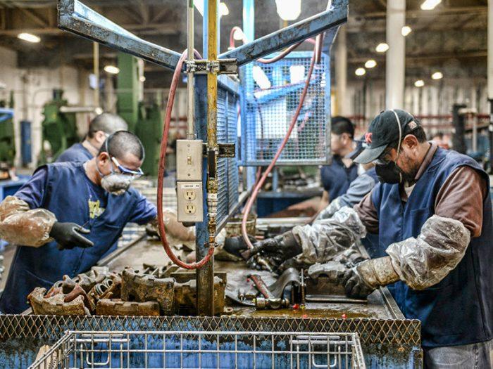Automatización y robotización: Desafíos en el mundo del trabajo