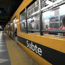 El momento que la Policía de Buenos Aires ingresa al metro a tomar detenidos a trabajadores en huelga del Subte