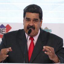 Maduro admite errores y llama a invertir en petróleo venezolano